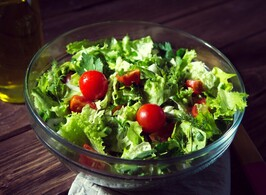 Bowl of Mixed Greens with Tomatoes & Vinaigrette